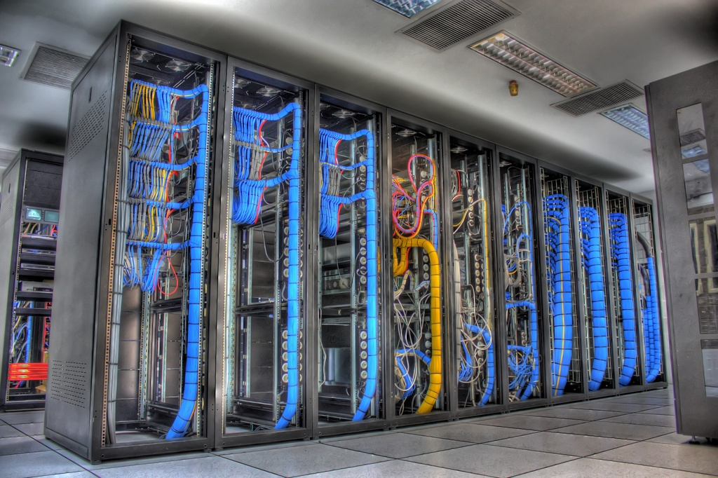 Duplicated Servers and Networks with Duplicated IT Managed Services